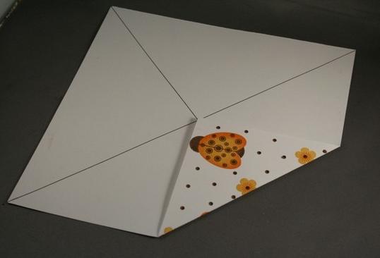 1469616215_korbka-iz-bumagi-1-sposob-2 Как сделать коробку из бумаги своими руками, с крышкой, оригами, без клея