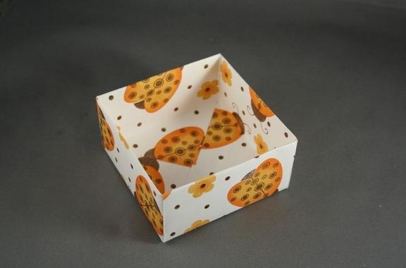 1469616222_korbka-iz-bumagi-1-sposob-11 Как сделать коробку из бумаги своими руками, с крышкой, оригами, без клея