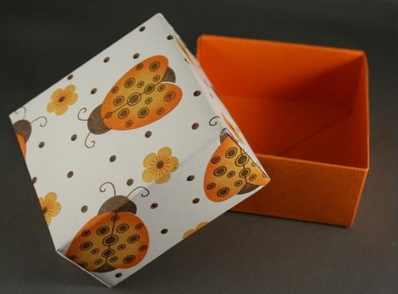 1469616250_korbka-iz-bumagi-1-sposob-12 Как сделать коробку из бумаги своими руками, с крышкой, оригами, без клея