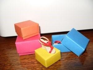 1469616278_korbka-iz-bumagi Как сделать коробку из бумаги своими руками, с крышкой, оригами, без клея