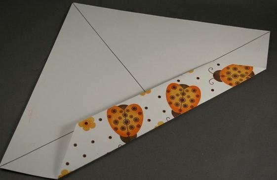1469616284_korbka-iz-bumagi-1-sposob-3 Как сделать коробку из бумаги своими руками, с крышкой, оригами, без клея