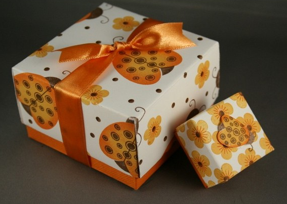 1469616285_korbka-iz-bumagi-1-sposob Как сделать коробку из бумаги своими руками, с крышкой, оригами, без клея