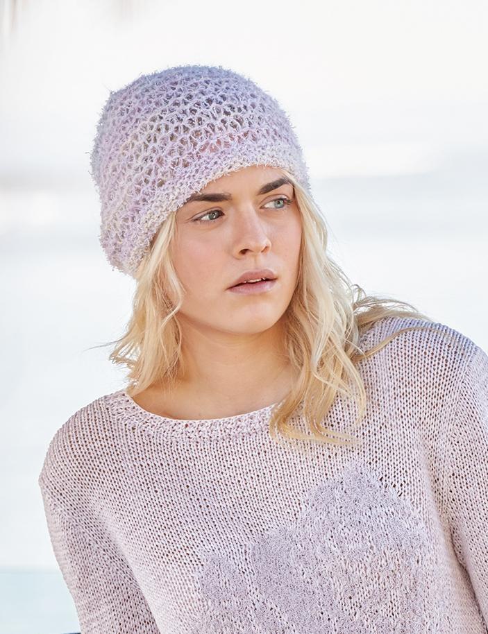 Связать шапку спицами для женщин